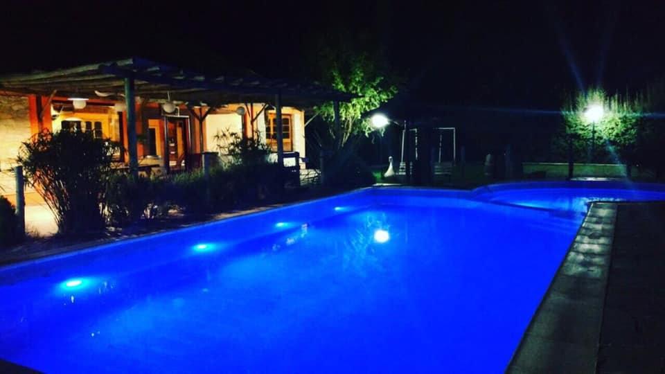 piscina cabañas la vida es bella.jpg