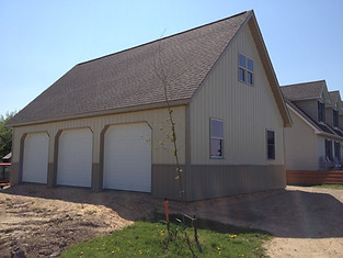 3 car garage built by pole-barns.com