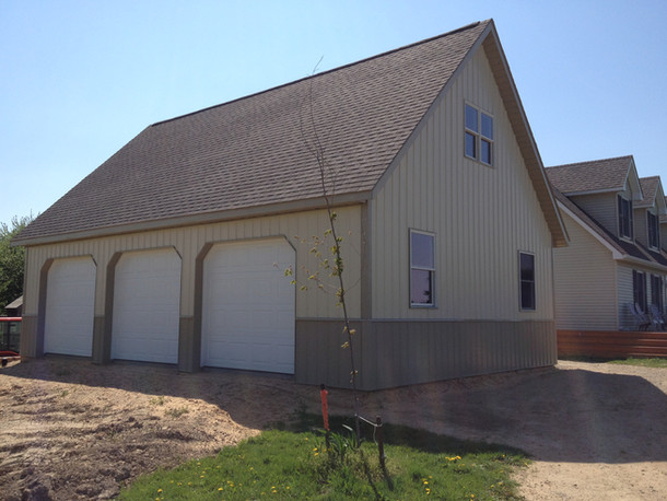 3 car garage built by pole-barns.com