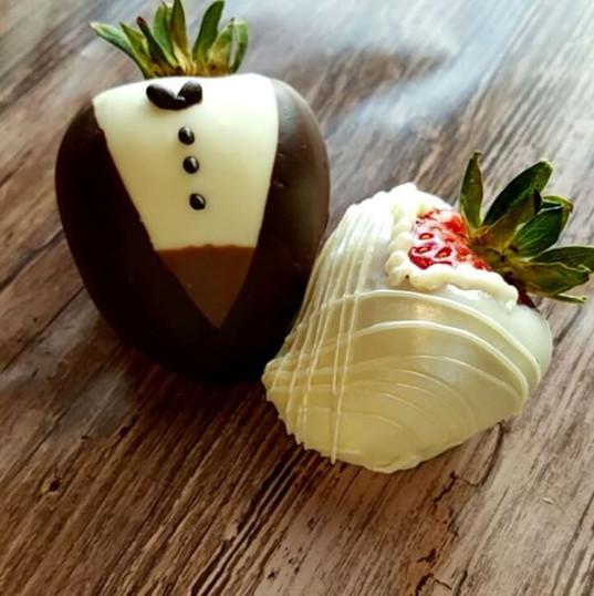 Yummy bride & groom #davidsonchocolateco