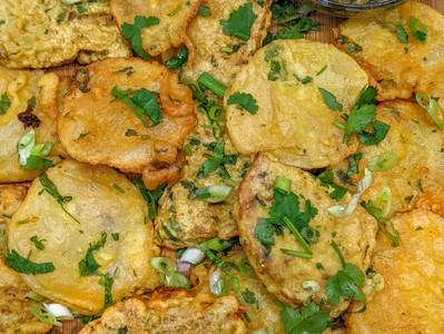 Pomme de Terre Frire/Potato Fried in Batter