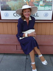 1930s style hat