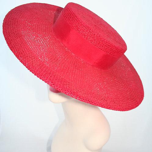Circular crown straw hat