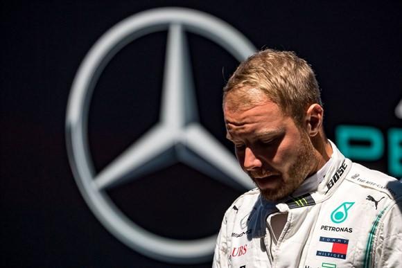 Valtteri Bottas segue pressionado na Mercedes.( Foto: AFP)