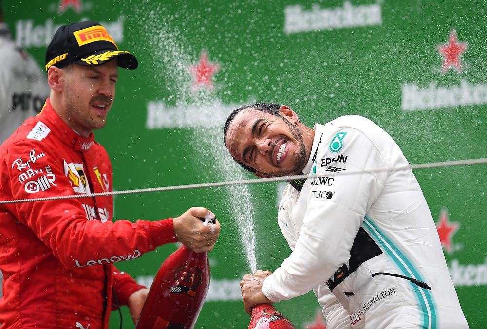 Vettel e Hamilton no pódio do GP da China / Foto: Getty Images