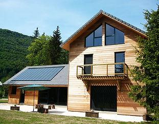 maison-bois-solaire.jpg