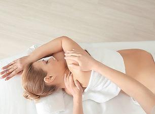 Pregnancy-Massage-shutterstock_649160518