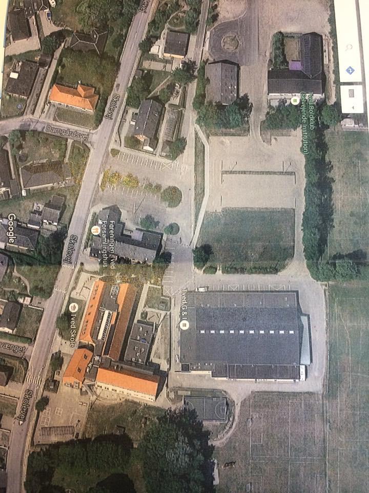 Skolen, hallen og området hvor TVEDS UDERUM skal blive en realitet