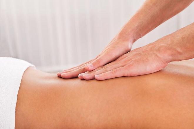 massage-huile-essentielle.jpg