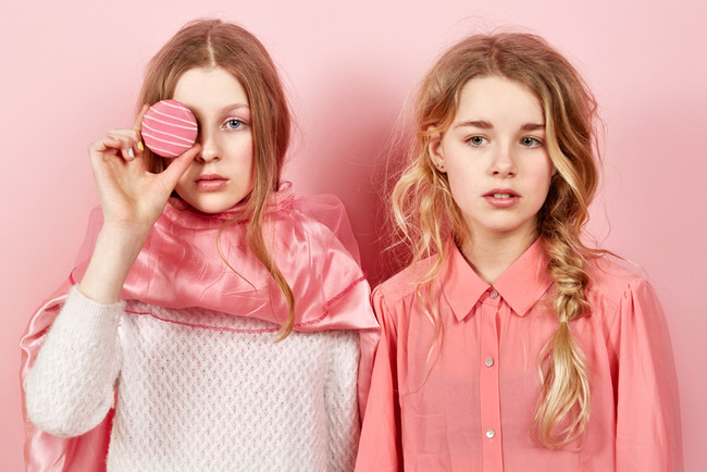 Les filles en rose15769_Final_RGB.jpg