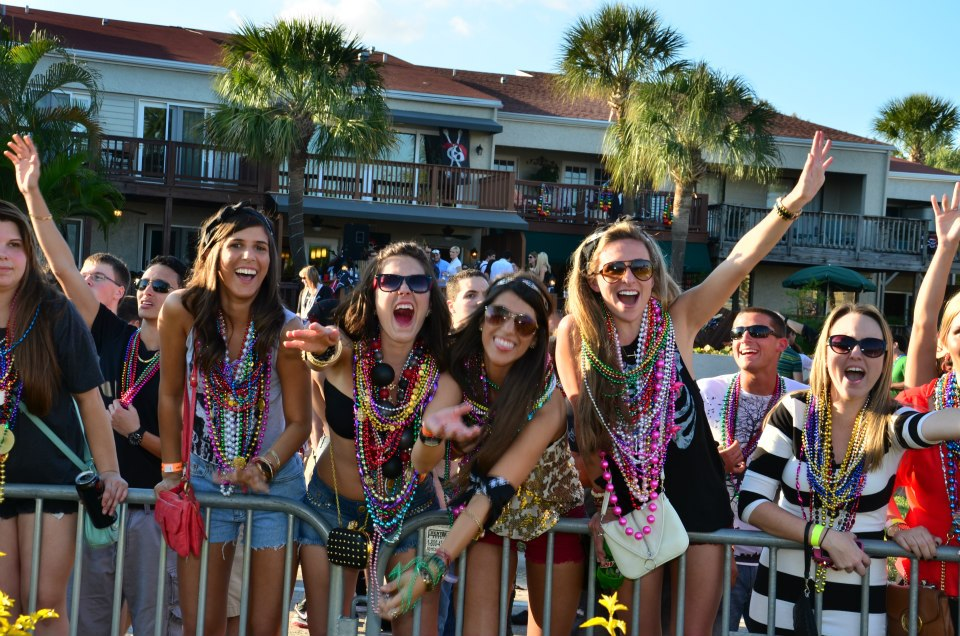 gasparilla-crowd