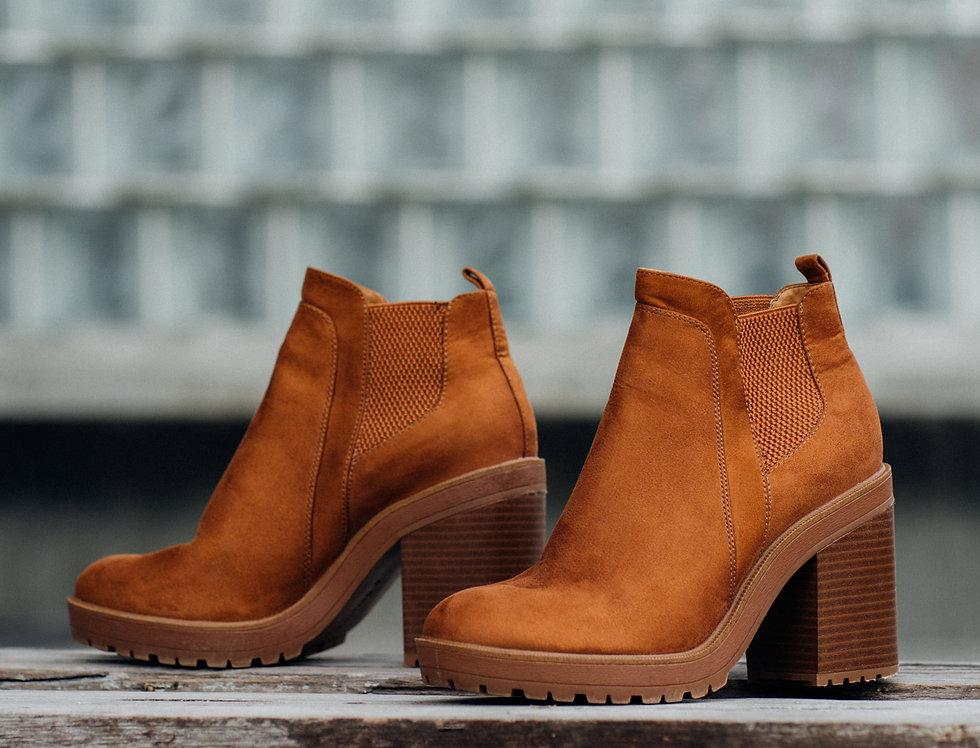 เช่ารองเท้าส้นสูง หญิง รุ่น TURBULENCE | SHAKIBR