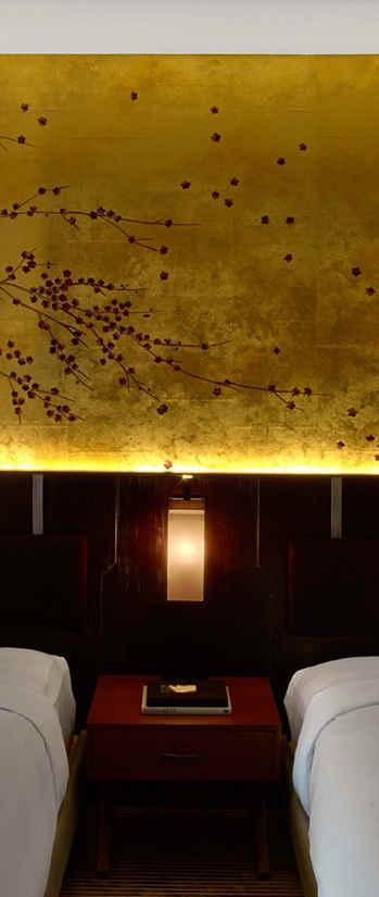 Windswept Blossom On Antique Gold - Japa