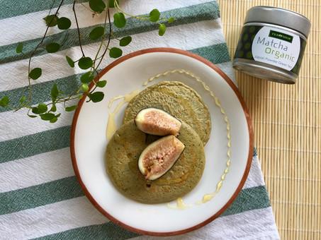 Pancakes de té matcha y trigo sarraceno sin gluten ni lactosa