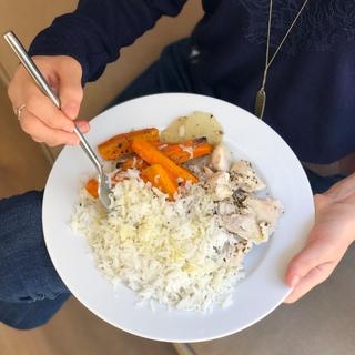 Arroz basmati, zanahoria, nabo y pollo