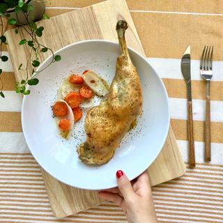 Pollo al horno con zanahoria y cebolla