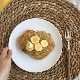 Pancakes de trigo sarraceno y plátano