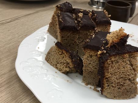 Bizcocho de trigo sarraceno, pera y cobertura chocolate sin gluten