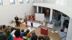 Kosmokas 'lezing' bib, De Pinte