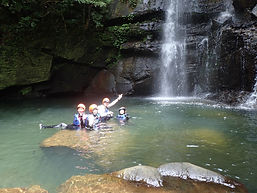 西表島でシーカヤックやカヌーを漕いで自然体験ツアーへ出かけよう。