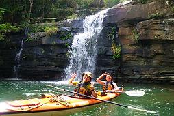 西表島でここだけのカヤックごと滝修行できる水落の滝ツアー