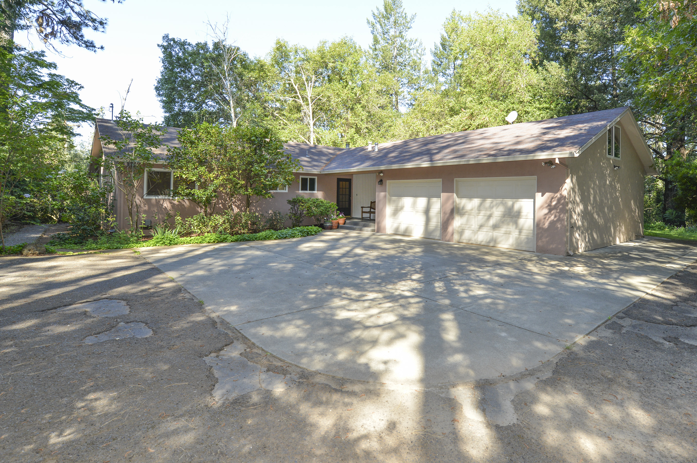 310 Alta Loma Drive - Angwin