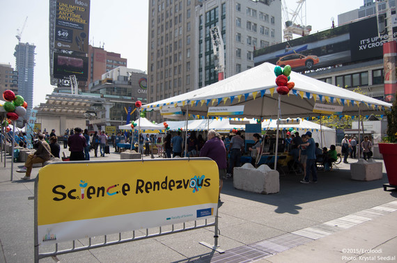 Science Rendezvous at Yonge Dundas Square - outdoor event for general public to learn about science (Photo: Krystal Seedial)