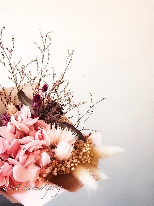 粉色系乾燥永生花束