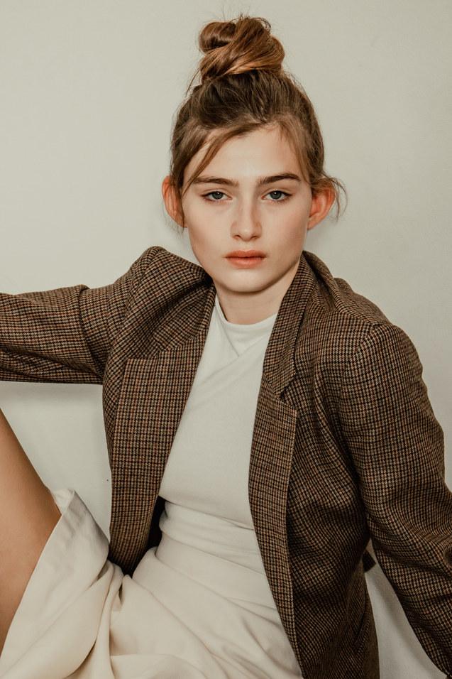Lindsey- Mother Model Management