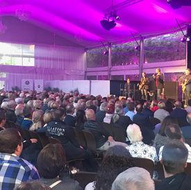 Rosengarten Show-Zelt