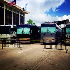 tour bus_plaza concert