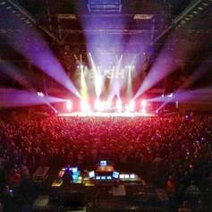 BUSH stagelights