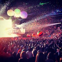 Carrie Underwood_Beach Balls