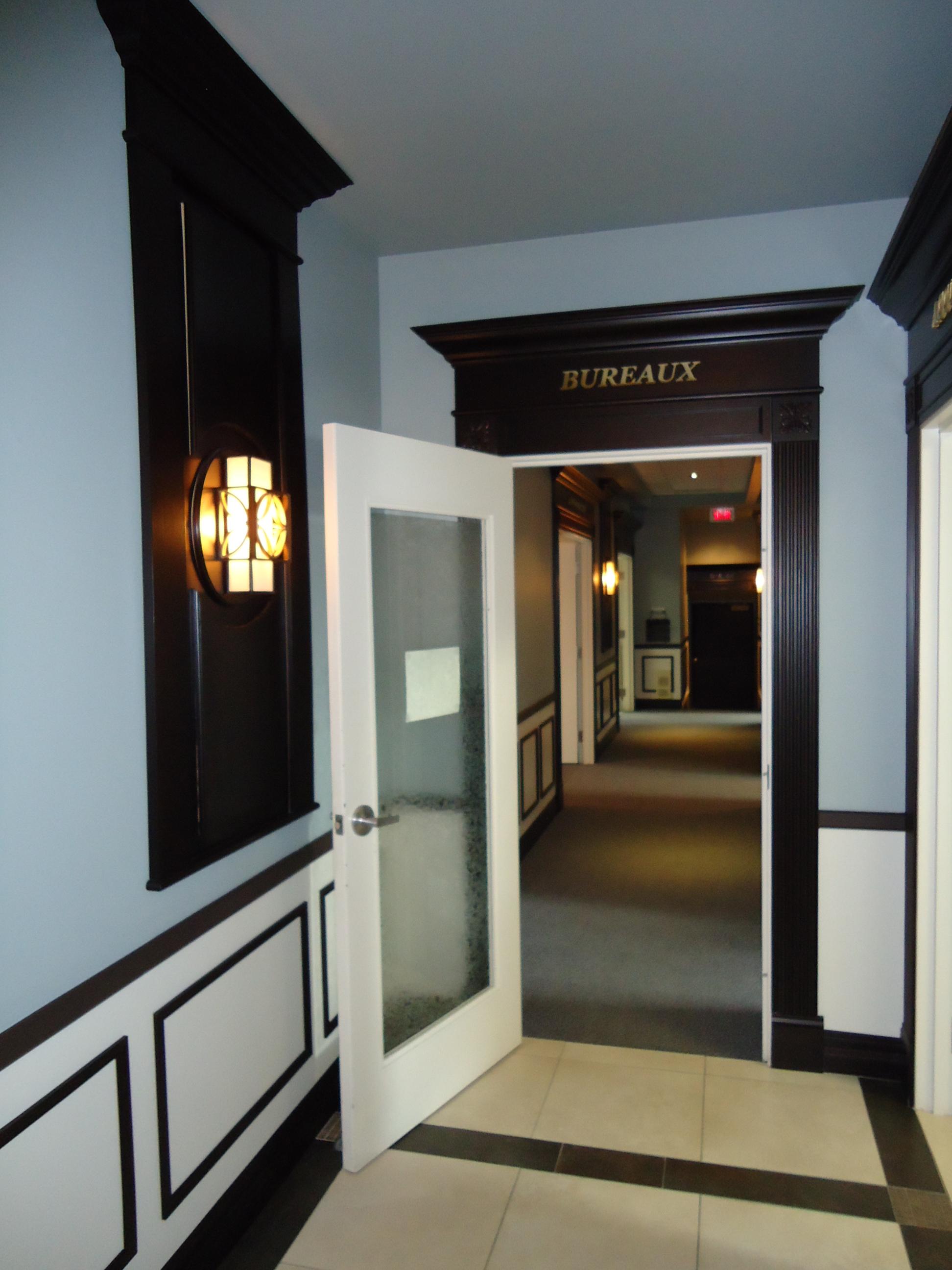 211,14-corridor bureaux (1).JPG