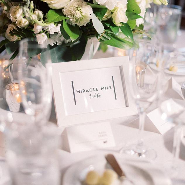 Table Decor Tropical