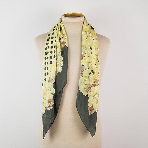 Pañuelo flores amarilas