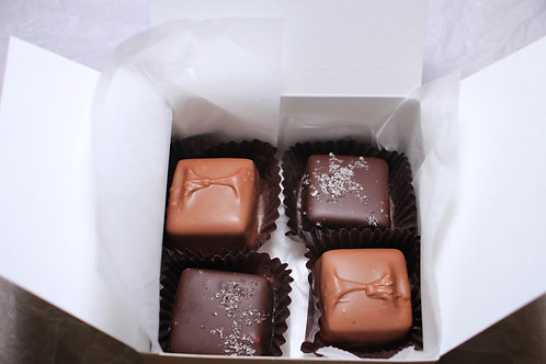 Box w/ 4 caramels