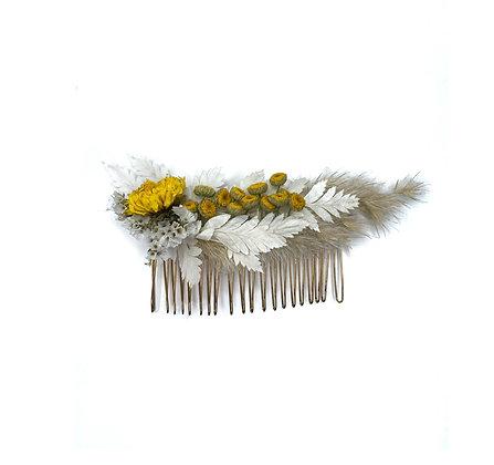 מסרקית פרחים לבנים ובבונג
