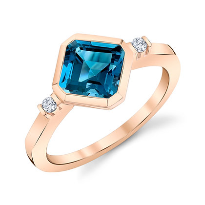 London Blue Topaz En Pointe Ring