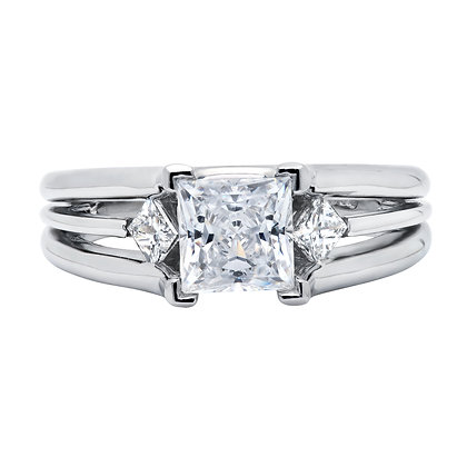 3-Stone En Pointe Sides Engagement Ring