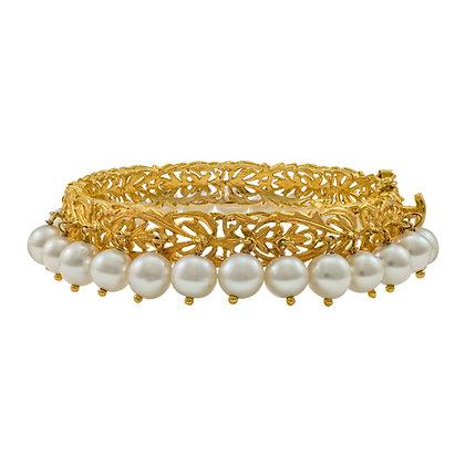 Swiss Lace Pearl Bracelet