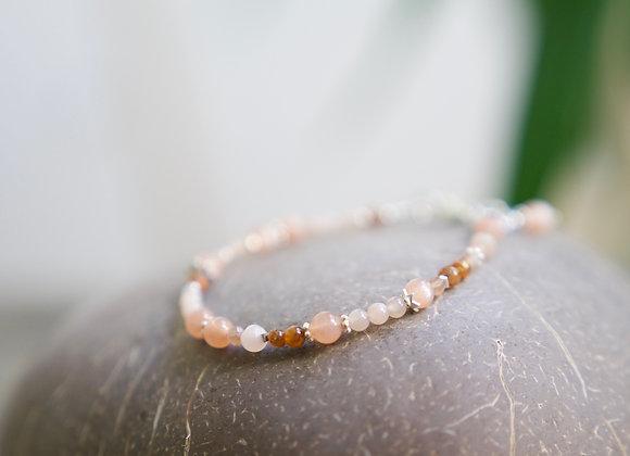 Armband | Peach Mondstein mit Silber