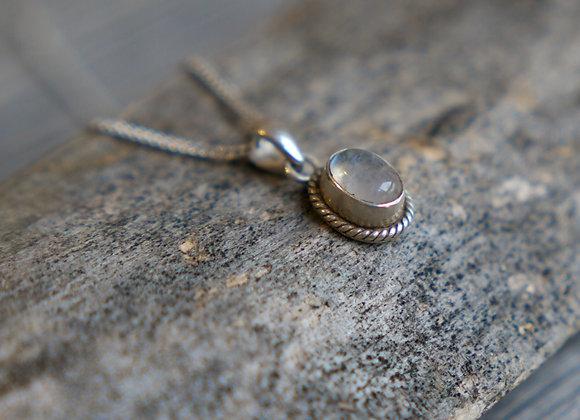 Mondstein Anhänger mit Silberfassung (exkl. Silberkette)