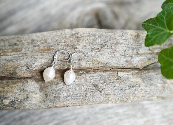 Ohrhänger | Weisse Perle | Helles Silber