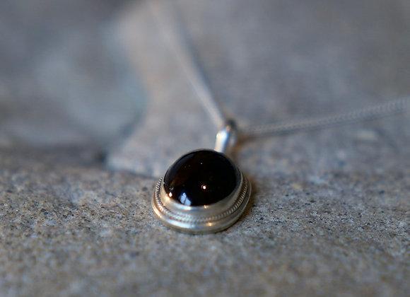 Granat Anhänger mit Silberfassung (exkl. Silberkette)