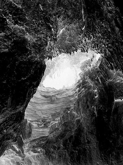 ©Gaëlle Abravanel, Grotte, série Ligne de Faille Chap 2-2 2020