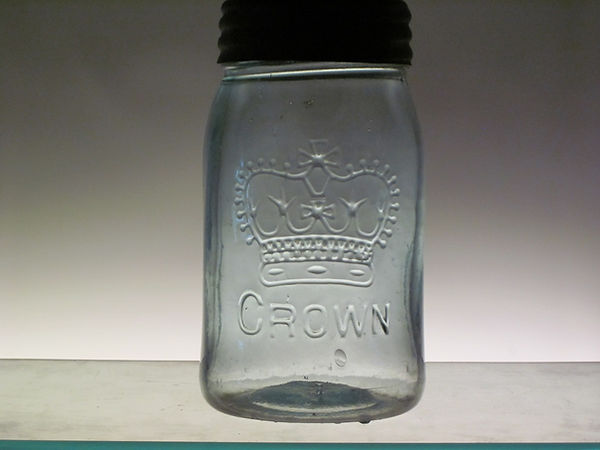 straight leg r crown pint fruit jar