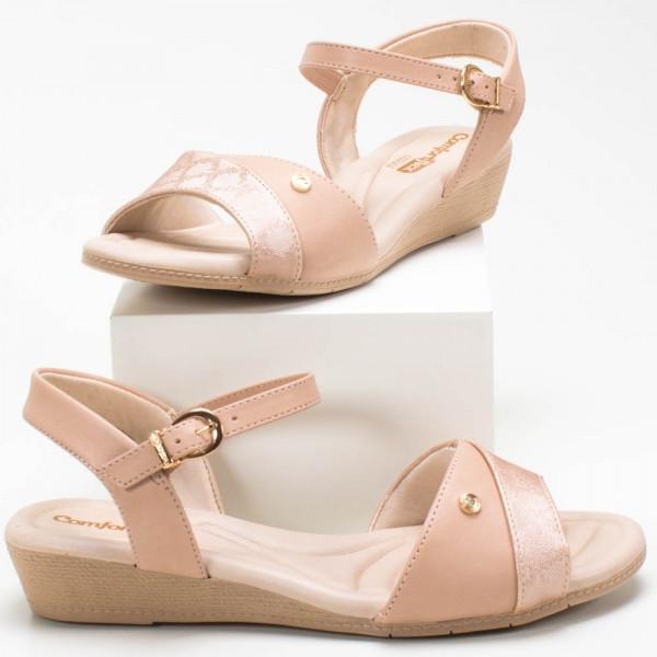 Sapato com até 2 cm de salto