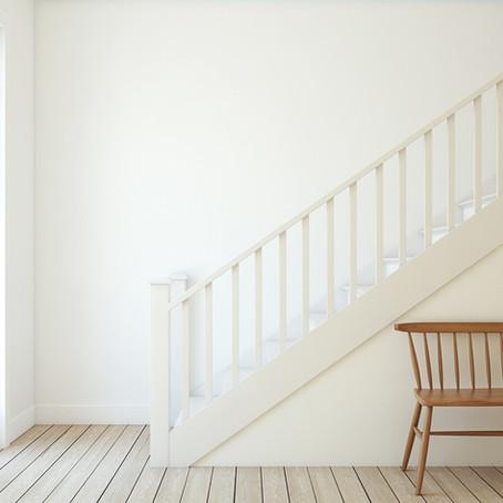 Een trap schilderen: hoe begint u eraan?