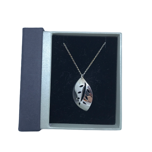 Stirling silver leaf pendant from SimplyN